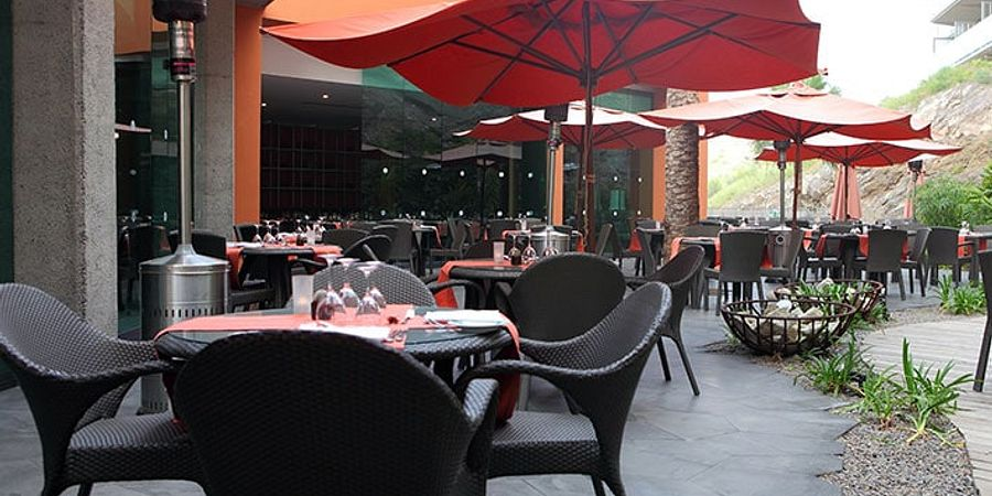 6 Ways to Make Patio Seating More Attractive for Customers