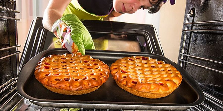 Baking Wars: Convection vs. Conventional Ovens