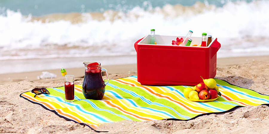 The Best Snacks To Pack For The Beach