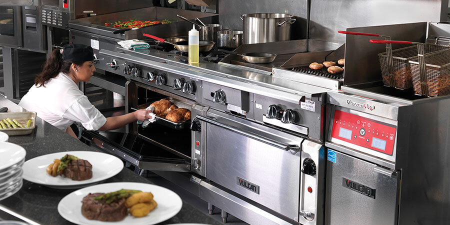 Choosing the Right Range Top Configuration for Your Restaurant
