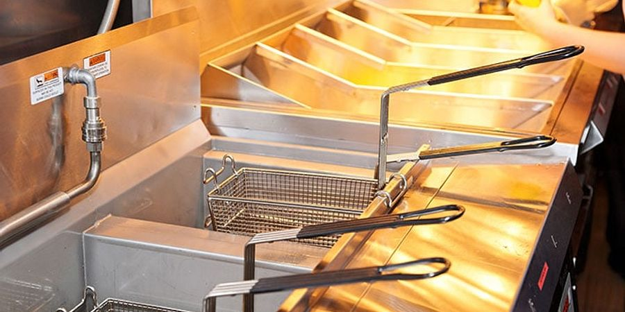 Gas Fryers vs Electric Fryers - Which Is Right For Your Business?