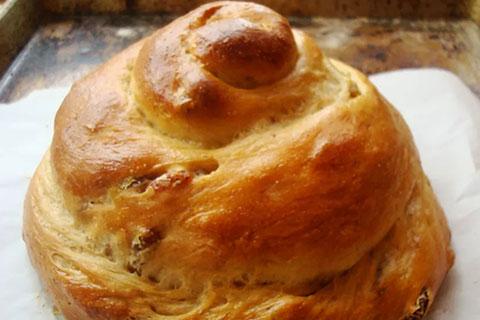Honey Wheat Raisin Challah (Pareve)