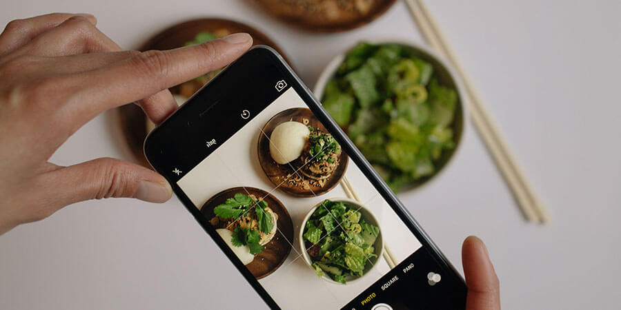Instagram Food Photo Taking Banner