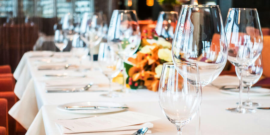 As Clear as Glass: The Pros and Cons of Glass Restaurant Dinnerware