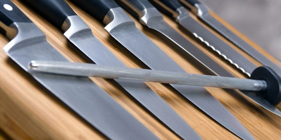 Essential Kitchen Knives For a Commercial Kitchen