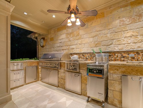 Traditional Kitchen in Dallas