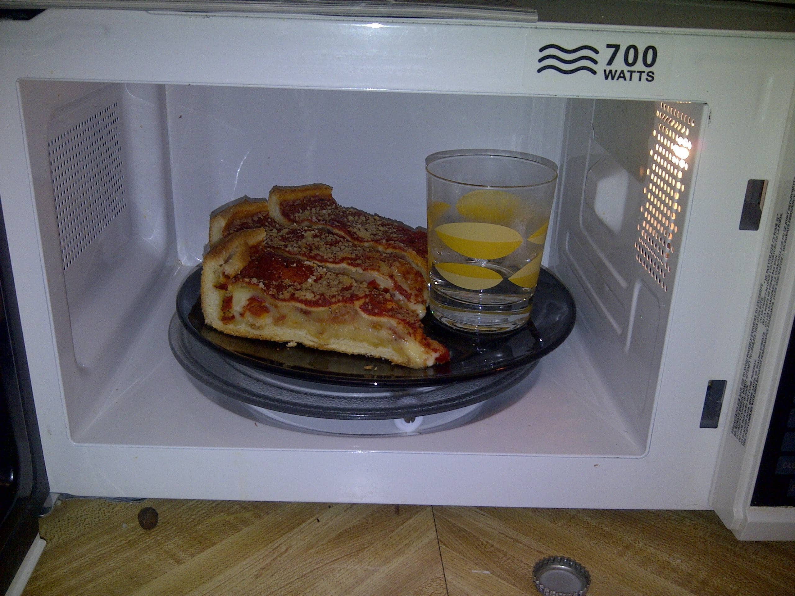 Hack #58: Proper ways to reheat pizza